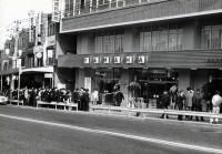 ヤマハ渋谷店開店前 (渋谷店所蔵アルバムより)